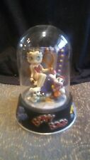 "1996 BETTY BOOP "" HOLLYWOOD BETTY ""  HAND PAINTED FIGURINE IN GLASS DOME"