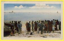 cpa Rare 14 GRANDCAMP MAISY Les Bains MARCHANDS attendant l'Arrivée du POISSONS