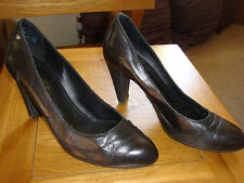 Rockport Ladies Negro Cuero Tacón Alto Elegante Court Shoe usado dos veces