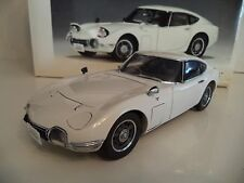 AUTO ART TOYOTA 2000 GT COUPE     1/18 SCALE  IN BOX