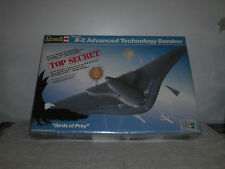 Revell Stealth B-2 Advanced Technology Bomber Model Kit # 4577 1/72 Scale Sealed
