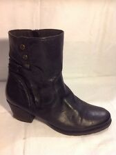 Clarks Black Ankle Leather Wide Fit Boots Size 7-ELEVEN