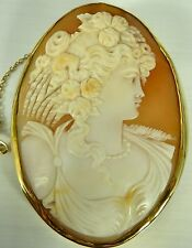 Large antique 9ct yellow gold cameo brooch