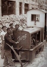 WW2 - Photo - Caen 1944 - Le petit train déblaie les ruines