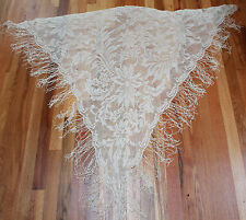 VINTAGE JAPANESE IVORY RAYON-LACE SHAWL IN FLORAL PATTERN