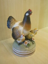 Lovely Vintage Sitzendorf Porcelain Hen & Chicks Figure