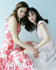 Deschanel, Emily / Deschanel, Zooey (18761) 8x10 Photo
