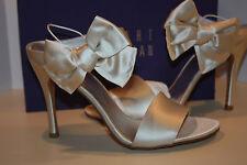 Stuart weitzman Bridal big bow satin heels women's size 12 m