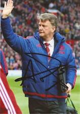 MAN UNITED: LOUIS VAN GAAL SIGNED 6x4 ACTION PHOTO+COA