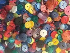 CUTE! 100 pcs MIXED LOT OF COLORFUL BUTTONS