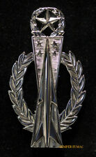 MISSILE OPERATOR MASTER BADGE PIN REGULATION US AIR FORCE WEAPONS AFB TITAN CREW