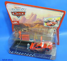Disney Cars Launch & Racer / M1893 / Pit Race -Off Lightning Queen