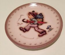 "M.I. Hummel/Goebel Mini Plate ""Globe-Trotter"" New Made In Germany"