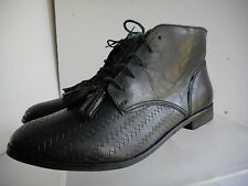 Womens Topshop short black leather lace up  boots sz 40