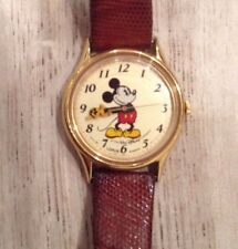 EARLY VINTAGE LORUS by SEIKO POINTING MICKEY MOUSE MID SIZE CHARACTER WATCH
