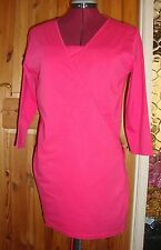 BNWT  MATERNITY Raspberry Pink 3/4 Sleeve Discreet Feeding Wrap Top Size M 12-14