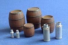 Hauler Models 1/35 WOODEN BARRELS AND MILK CANS Resin Set