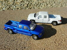 1:60 WELLY *BLUE & WHITE* 1999 Chevrolet Silverado Extended Cab Pickup Truck NEW