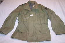 (E40) EUC VINTAGE  VIETNAM ERA COLD WEATHER FIELD COAT  MEDIUM - REGULAR