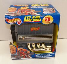 1999 Mattel HOT WHEELS STO 'N GO RACE CASE ~ Stores 28 Vehicles ~ BRAND NEW!!!