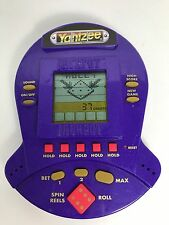 1999 YAHTZEE JACKPOT SLOTS HANDHELD ELECTRONIC GAME BY HASBRO WITH BATTERIES