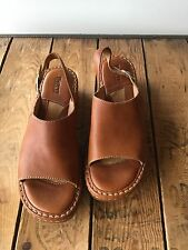 BORN BROWN Women's Sandals Leather Slip On Buckle  Size 9