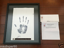 姚明 中國 Yao Ming Autographed 17x21 Ink Handprint World Children's Day 2004 1/1