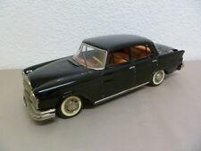 RARITÄT !!!   grosser Blech Mercedes 220S mit Batterieantrieb