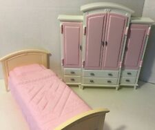 Barbie bedroom furniture set bed wardrobe armoire closet Living in Style 2002