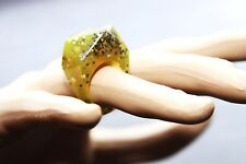 Green Cocktail lucite rezin plastic ring Size 6. Free USA shipping.