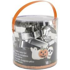 Wilton Metal HALLOWEEN COOKIE CUTTER TUB SET 18 Piece Pastry Cutters