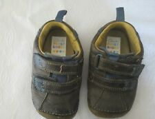 Baby toddler clarks first shoes size 4g  good condition