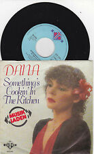 Dana  - something´s cookin in the kitchen