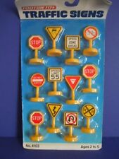 VINTAGE TOOTSIETOY 1991 TRAFFIC SIGNS # 4103 CAN BE USED FOR ALL TOOTSIETOY CARS
