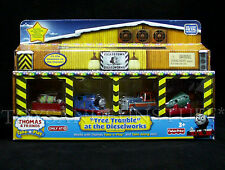 NEW Thomas & Friends - Christmas TREE TROUBLE at the DIESELWORKS Take-n-Play DEN