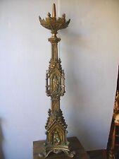 grand pique cierge néo gothique en bronze décor personnage