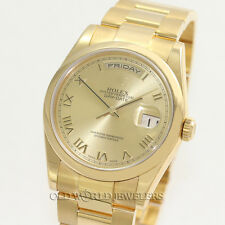 Rolex Day Date 118208 Oyster Bracelet Champagne Roman Dial 18K Gold Box Papers