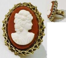 bague bijou vintage fantaisie couleur or camée buste femme fond brun * 5128