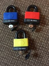TRI CIRCLE 65 MM WEATHERPROOF LAMINATED PADLOCK WITH THERMOPLASTIC COVER Yellow!