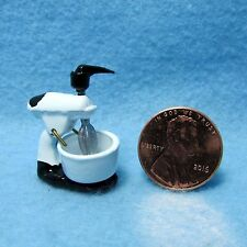 Dollhouse Miniature Kitchen Mixer with Bowl ~ JJ1231