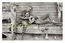 VINTAGE PHOTO AFFECTIONATE SOLDIERS SHOW LOVE BY BARRACKS GAY INTEREST 91