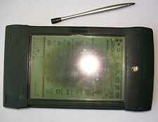 Newton Messagepad 2100 poor condition: working, failing screen, battery dead