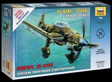 Zvezda  1/72  Ju87B Stuka German Dive Bomber (Snap)  ZVE7306