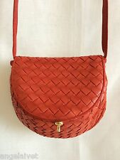 BOTTEGA VENETA VINTAGE FOLDOVER RED INTRECCIATO LEATHER SHOULDER BAG PURSE