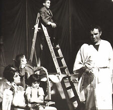 elizabeth taylor & richard burton.modern glossy photo. young boy on ladder !