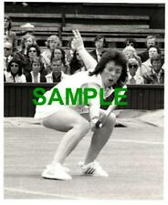 ORIGINAL PRESS PHOTO - WIMBLEDON TENNIS 1974 BILLIE JEAN KING IN ACTION