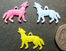3 Vintage Howling Wolf Charms - 1.5cm...Halloween