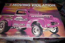 REVELL 1941 WILLYS PICKUP MOVING VIOLATION 1973 1/25 MODEL CAR MOUNTAIN OPEN