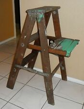 PRIMITIVE VINTAGE CHIC DECORATORS FOLDING WOOD TALL STEP LADDER SHOP DISPLAY