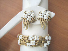 Vintage Crown Trifari Lucite flowers and Rhinestone Bracelet and Earring set